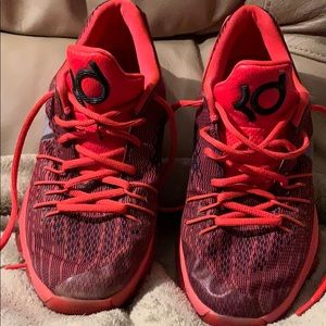 Other - Kevin Durant youth basketball shoes size 5.5 youth
